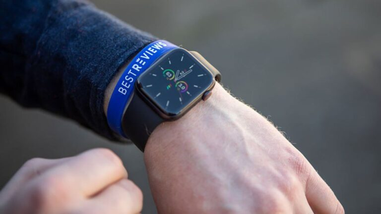 Apple Watch review: How does the Series 6 compare to previous models? – Chicago Tribune